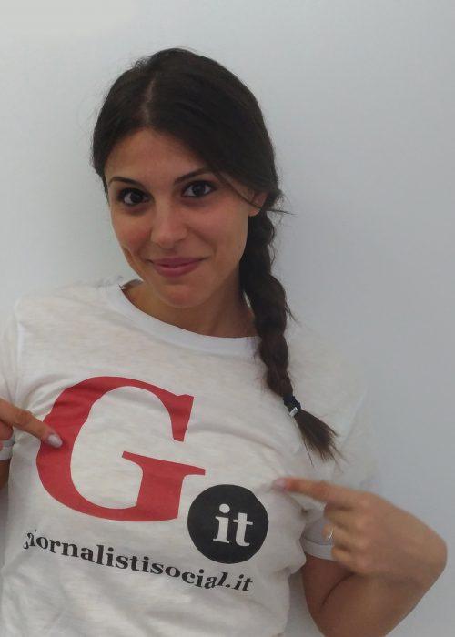 La t-shirt di Giornalistisocial.it (testimonial Lucia Orto)
