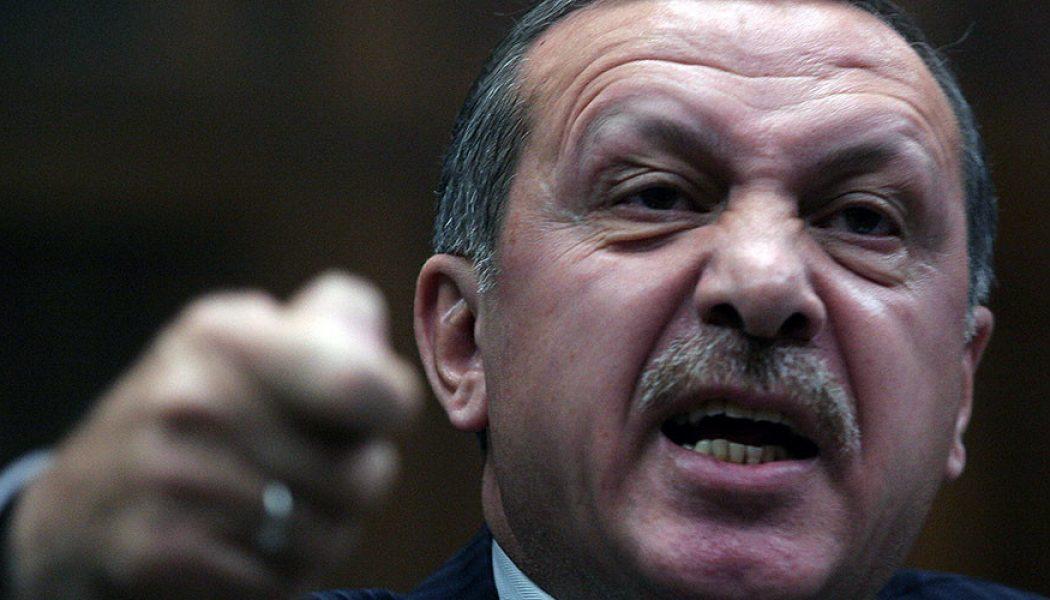 Erdogan fa arrestare un altro giornalista (FERMATELO!)