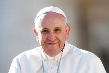 Papa Francesco ai giornalisti: vostro lavoro fondamento di una società libera e pluralista