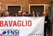 La Fnsi in piazza contro il carcere per i giornalisti e le querele temerarie: «Chiediamo alle istituzioni norme di civiltà»